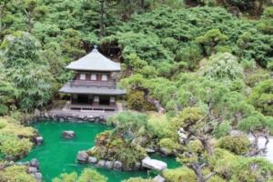 京都府の銀閣寺(?)